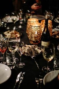 Clover_Hill_Glamping_Famil_Dinner