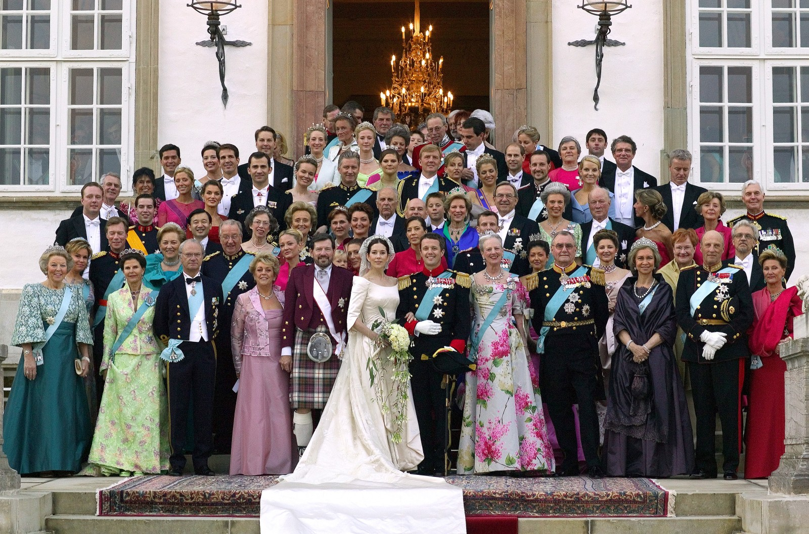 Clover Hill Wines served at the Royal Wedding. Image: Crown Prince Frederik and Crown Princess Mary pose with family and guests on the stairs to Fredensborg Palace prior to the wedding banquet Friday May 14, 2004. First row from left: Queen of the Netherlands Beatrix, Queen of Sweden Silvia, King of Sweden Carl Gustav, Mrs. Susan Elisabeth Donaldson, Professor John Donaldson, Crown Princess Mary, Crown Prince Frederk, Danish Queen Margrethe, Prince Consort Henrik, Queen of Spain Sofia, King Harald of Norway and Queen Sonja of Norway. Second row from left: Grand Duchess of Luxembourg Maria Teresa. King Albert II of Belgium, Queen Paola of Belgium, Ms. Amber Petty, Mrs. Scott Bailey, Mrs. Jane Stephens, Danish Prince Joachim, Princess Alexandra, Mrs. Musaif, President of Iceland Olafur Grimson, President of Finland Tarja Halonen and Dr. Arajaervi. Thrid row from left: Mrs. Jeffrey, Govenor General of Australia Michael Jeffrey, Princess Elisabeth of Denmark, M. Claude Bardin, Mme Bernadette Chirac, Mrs. John Stuart Donaldson, Queen Anne-Marie, King Konstantin, Princess Benedikte of Berleburg, Prince Richard of Berleburg and Count and Countess Etienne de Monpezat. Fourth row from left: Prince Gustav of Berleburg, Prince Guillaume of Luxembourg, Crown Prince Naruhito of Japan, Ms. Letizia Ortiz, Crown Prince Felipe of Spain, Crown Princess Victoria of Sweden, Crown Prince Willem Alexander of the Netherlands, Crown Princess Maxima of the Netherlands, Crown Prince Haakon and Crown Princess Mette-Marit of Norway, Duke and Duchess of Brabant. Fith row from left: Countess and Count Jean-Baptiste de Monpezat, Crown Prince and Crown Princes Pavlos and Marie-Chantal of Greece, Prince Edward and Sophie of Wessex, Mrs. and Mr. Jacques Beauvillain and Mr. Craig Stephens. Sixth row from left: Mr. Carlos Morales Quintana and Princess Alexia, Count Jefferson and Princess Alexandra, Princess Nathalie, Prince Nikolaos of Greecwe, Princess Theodora and Mr.Scott Bailay. Seventh row from left: Countess Anne Dorte and Count Christian of Rosenb